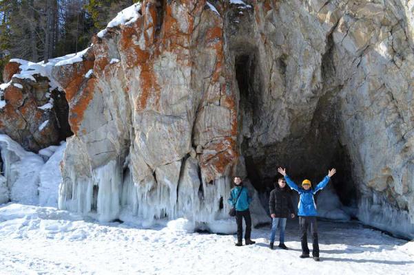 Фотогалерея: Лучшее путешествие по льду Байкала. Зима-Весна 2019